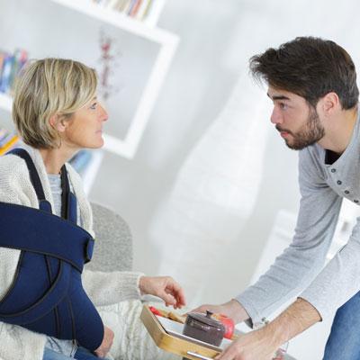 Hospitalisation : une aide pour le retour à la maison